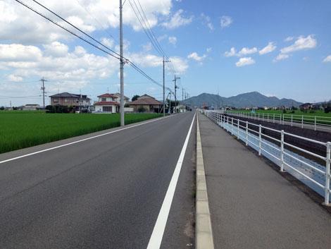 03田園地帯を走る.jpg