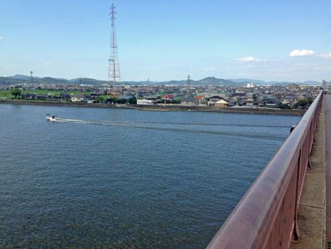 16岡南大橋モーターボート.jpg