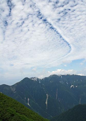 雲のトレイル470.jpg
